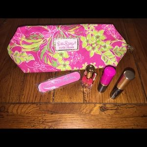 Lilly Pulitzer Estée Lauder little beauty bundle